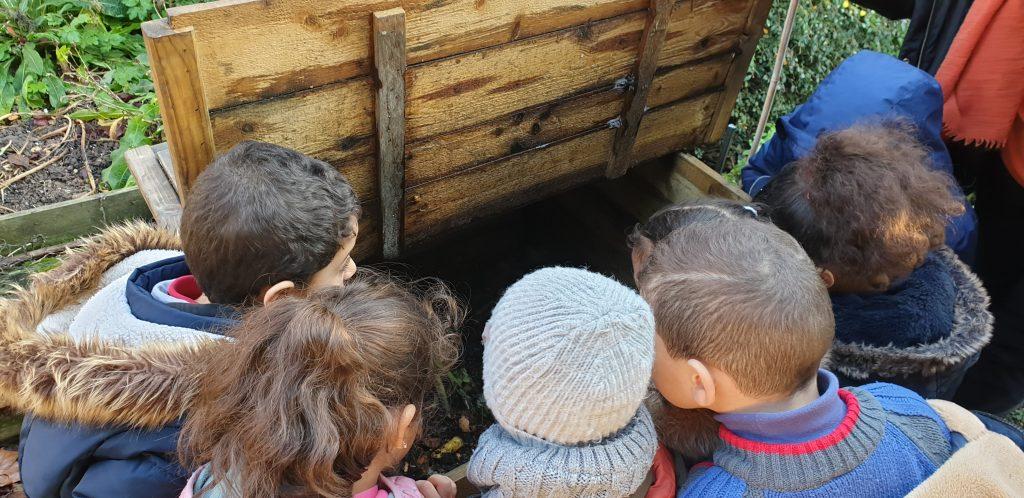 Le nez dans le compost